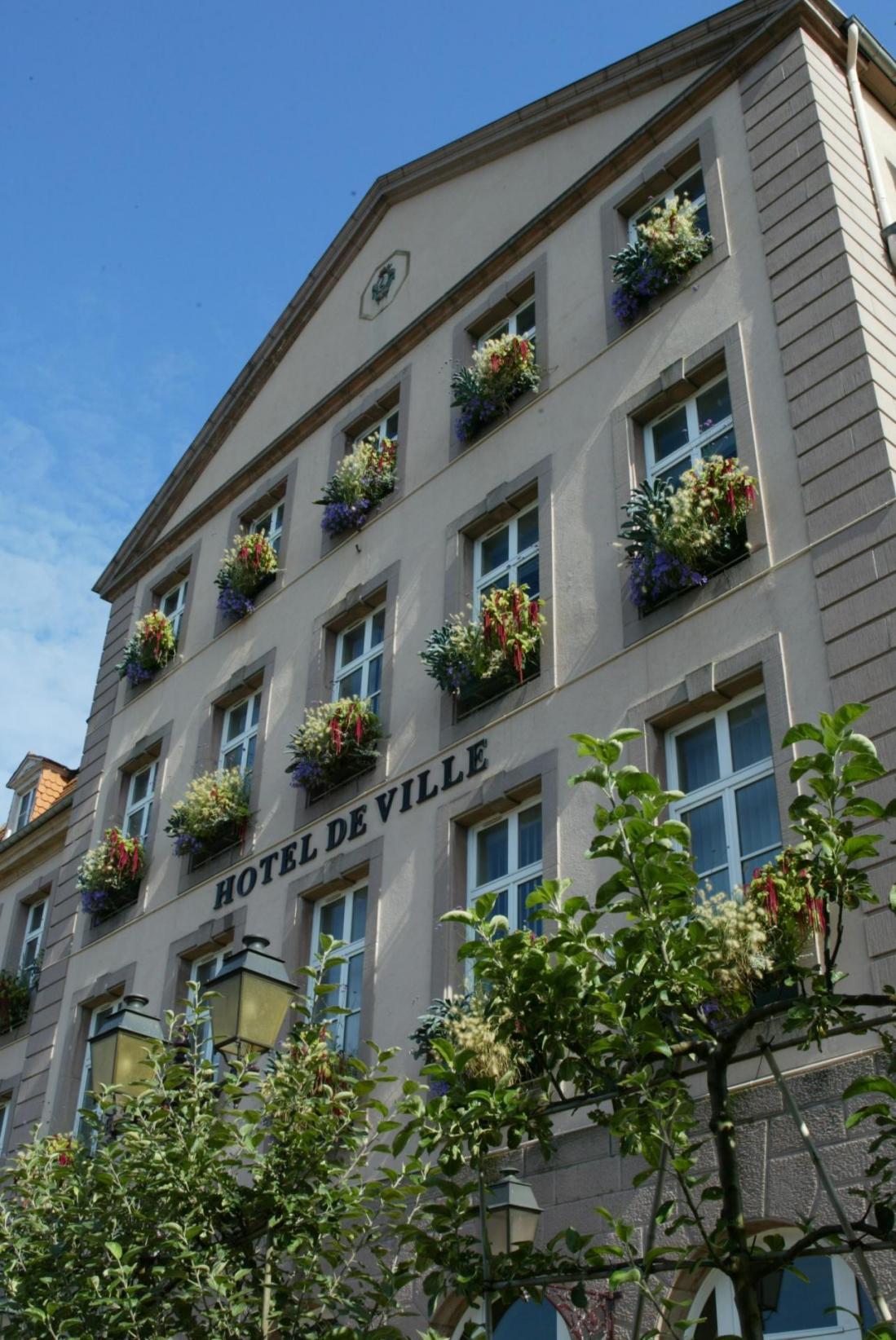 2 hotel de ville